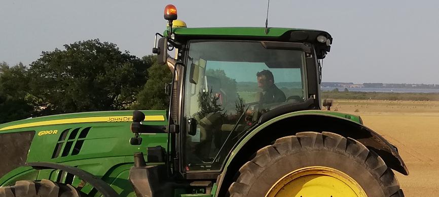 Selbst: Landwirt in Traktor